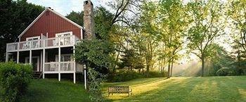 фото Fairville Inn 693543730