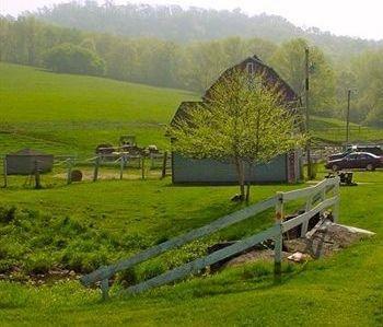 фото Rainbow Ridge Farms Bed and Breakfast 693545382