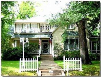 фото Historic 1859 Woldert-Spence Manor 693545501