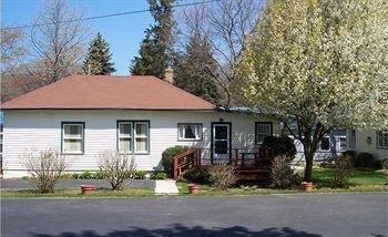 фото Twin Gables Inn 693546066