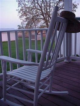 фото The Hertzog Homestead Bed & Breakfast 693546744