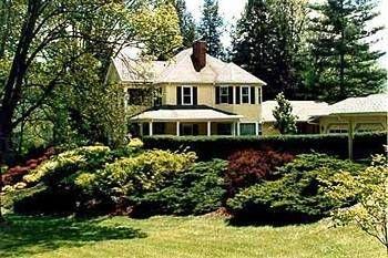фото The Yellow House 693548387