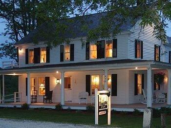 фото Hill Farm Inn 693548726