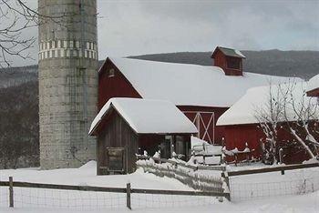 фото Hill Farm Inn 693548727