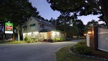фото Wrens Nest Inn 693552120