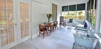 фото Farnsworth House Bed & Breakfast 693603416