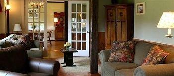 фото Brass Lantern Inn 693609964