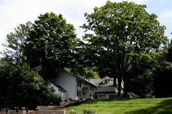 фото Longwood Country Inn 693613040