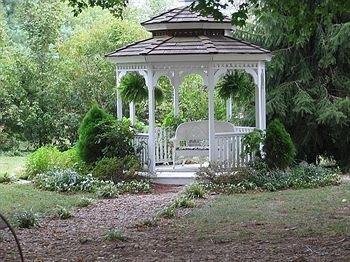 фото 1851 Historic Maple Hill Manor B&B 693613309