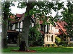 фото The Victorian Tudor Inn 693615114