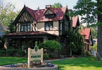 фото The Victorian Tudor Inn 693615115