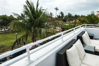 фото Deco Walk Hostel | Beach Club 693616250