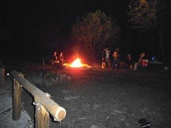 фото Lazy H Lodge 693625491