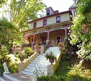 фото Saratoga Rose Inn & Restaurant 693635285