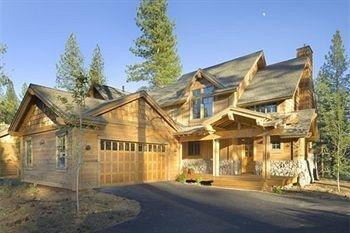 фото Tahoe Mountain Resorts Lodging Old Greenwood Townhome 693642119