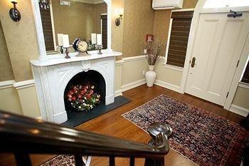 фото The Guest House at Norwalk Inn 693642139