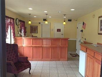 фото Express Inn & Suites 693643878