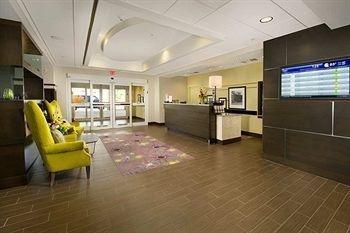 фото Hampton Inn & Suites - Buffalo Airport 693645451
