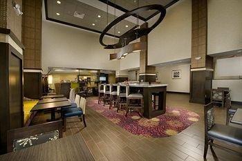 фото Hampton Inn & Suites - Buffalo Airport 693645455
