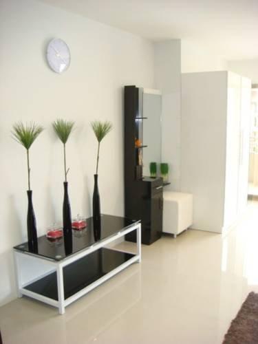 фото T.W. Pattaya Klang Condominium 694298338