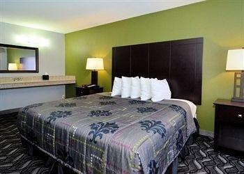 фото Rodeway Inn and Suites Austin 697174323