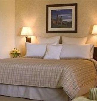 фото Monterey Inn Hotel Dream Suites 697863339