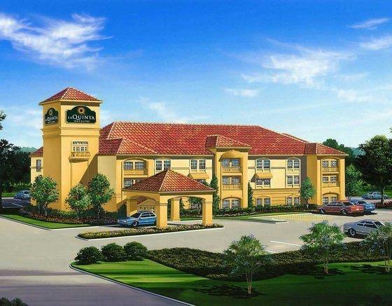 фото La Quinta Inn and Suites Cotulla 700203411