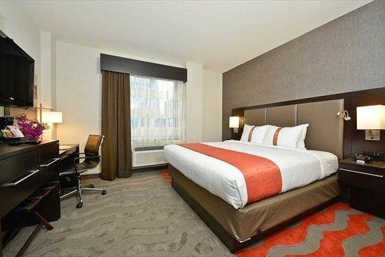 фото Holiday Inn New York JFK Airport Area 702158480
