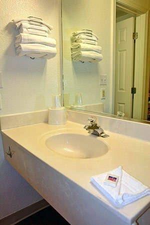 фото Motel 6 Kansas City Southwest - Lenexa 713322530