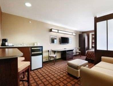 фото Microtel Inn & Suites by Wyndham Harrisonburg 713478546