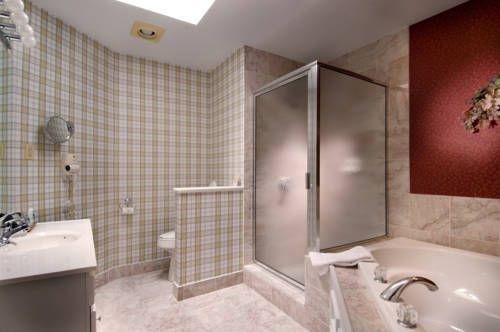 фото Eight Gables Inn 718896112