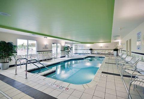 фото Fairfield Inn & Suites by Marriott Milwaukee Airport 724976250