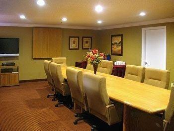 фото Oxford Inn & Suites Lancaster 727964010