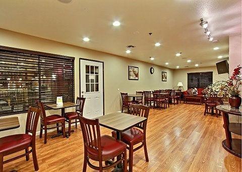 фото Quality Inn & Suites Woodland 728613256