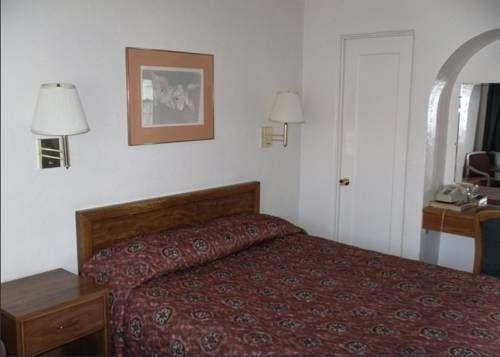 фото Slumber Motel 739652785