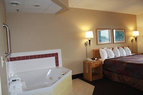 фото AmericInn Lodge & Suites Lake City 739798732