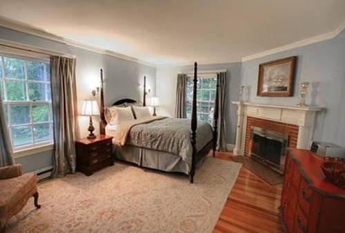 фото White House Inn 739924034