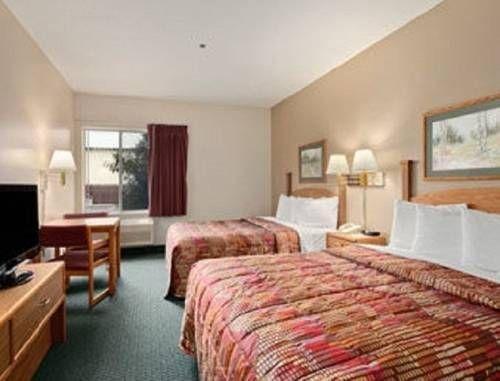 фото Days Inn & Suites Madison 739940579