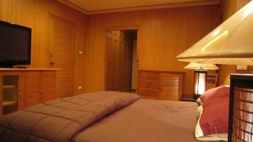 фото VT1 Pete Service Apartment 742037063