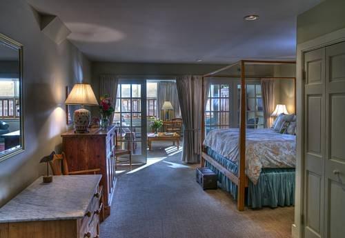фото Steamboat Inn 742665249
