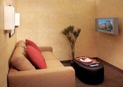 фото Cambria Suites Maple Grove 742998193