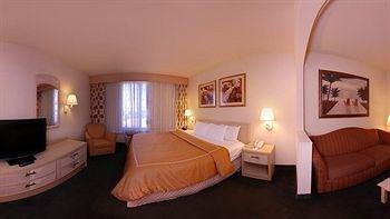 фото Comfort Suites Miami 743428956
