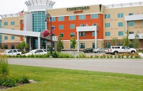 фото Courtyard Minneapolis Maple Grove Arbor Lakes 748502124