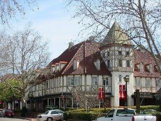 фото Petersen Village Inn 748744957