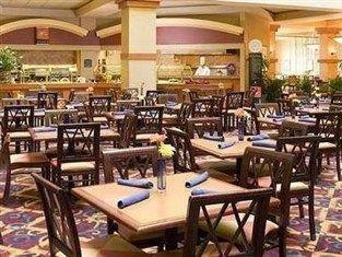 фото Embassy Suites N Charleston Hotel 750859277