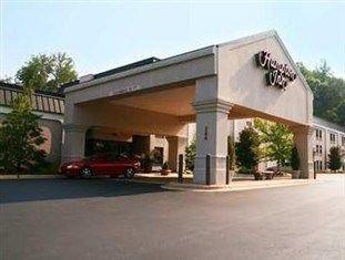 фото Hampton Inn Franklin - N.C. Hotel 750866223