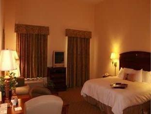 фото Hampton Inn & Suites Cashiers-Sapphire Valley - NC Hotel 750878336