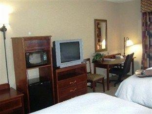 фото Hampton Inn & Suites Largo 751202478