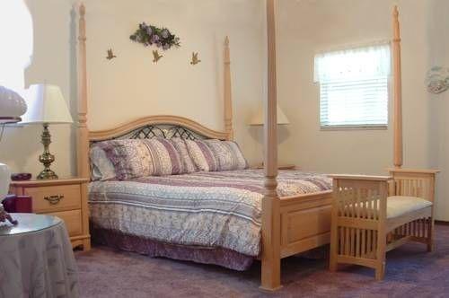 фото Swiss Chalet Bed & Breakfast 753920989