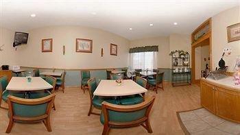 фото Quality Inn Cedar Rapids 758420971